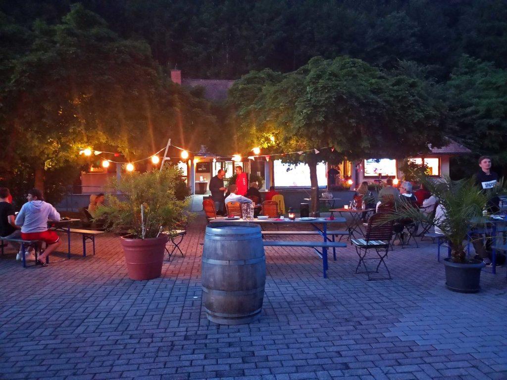 """Gemütliches EM-Finale: Im Restaurant """"Zum Eichwald"""" gab es wieder Public Viewing."""